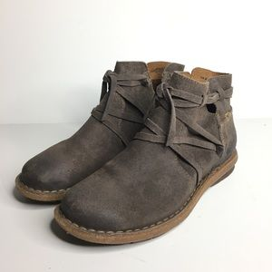 Born Sz 7/38 Tarkiln Wet Leather Bootie Boot